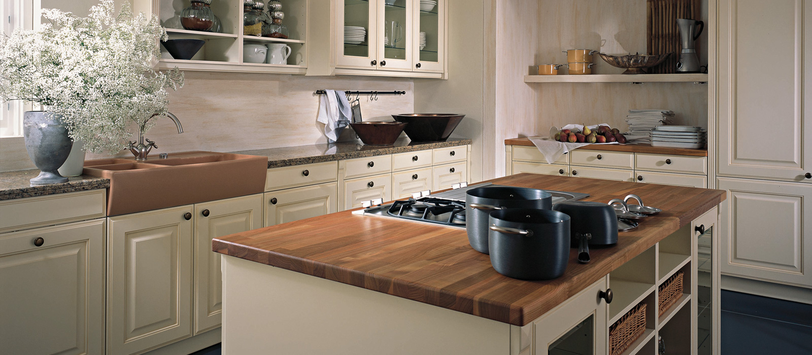 In Stock Kitchen Cabinets Yonkers Ny   CALVOS 2011 Kitchen Cabinets Leicht  New York