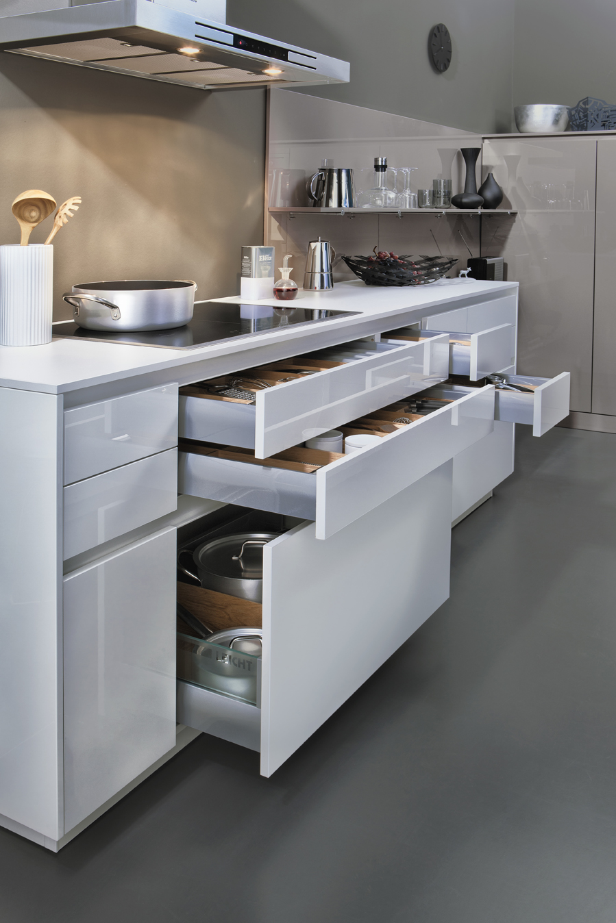 Contino the new standard in handle less kitchen cabinets kitchen cabinets leicht new york Handleless kitchen drawers design