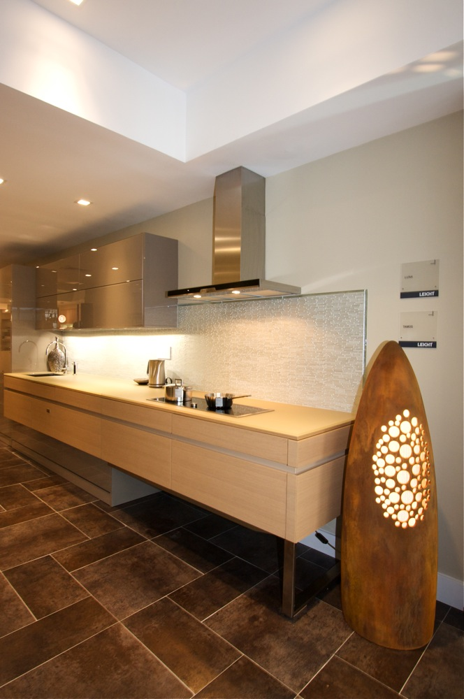 Manhattan Ny Kitchen Showroom Tamos Luna Contemporary Kitchens Kitchen Cabinets Leicht