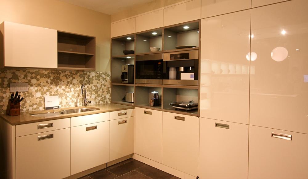 Kitchen cabinets westchester ny rustic alder kitchen for Kitchen cabinets yonkers