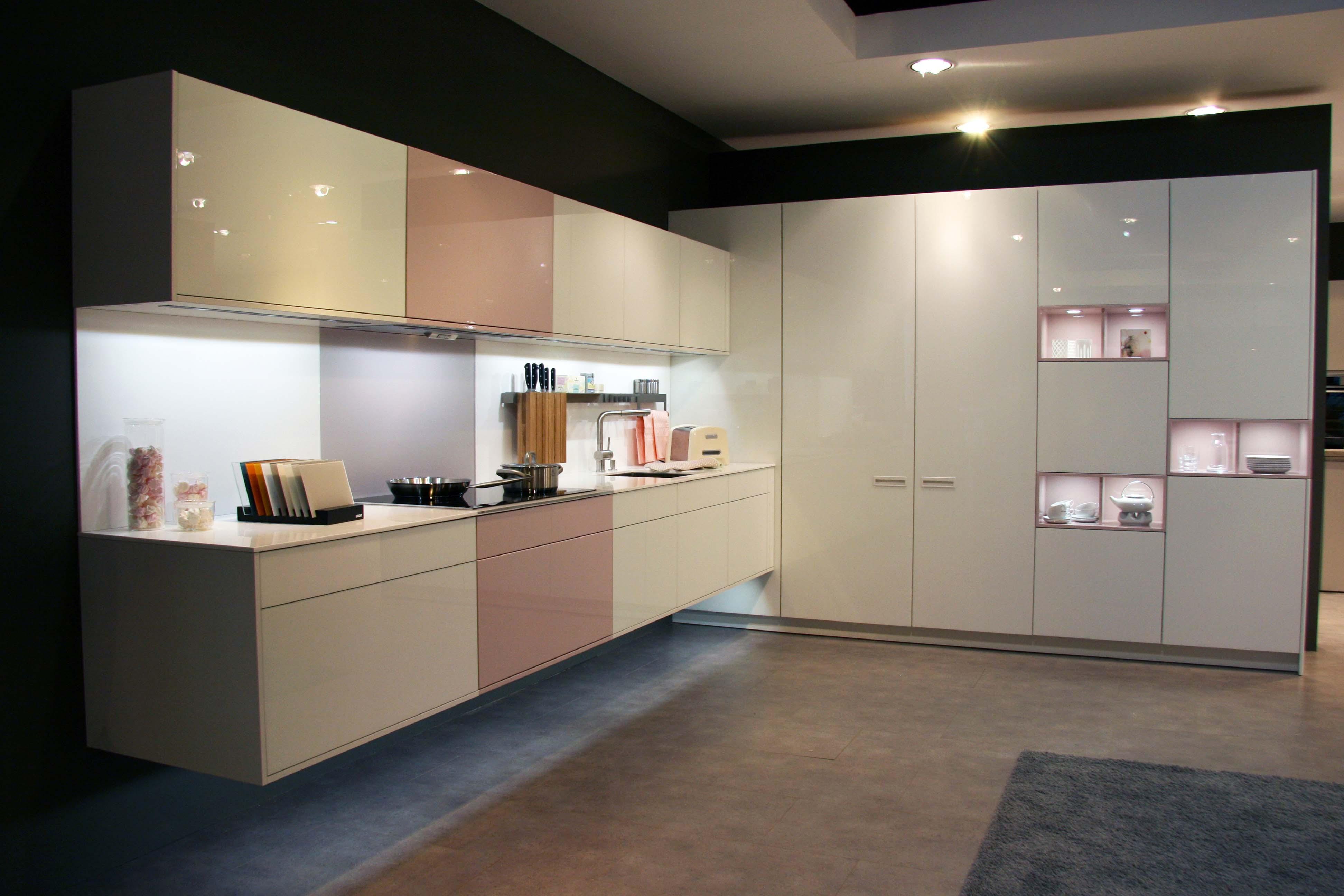 K10 Vitrea Pg 120 Largo Kitchen Cabinets