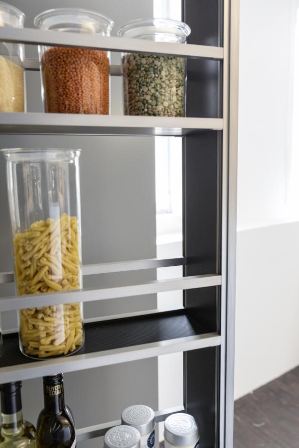 Leicht Interior Non Slip Pivot Rack Ideal For Holding