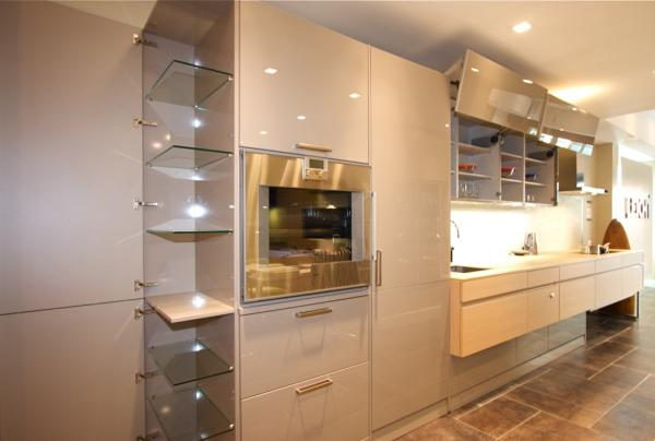 Manhattan, NY Kitchen Showroom - LUNA Full Height Cabinets | Kitchen ...